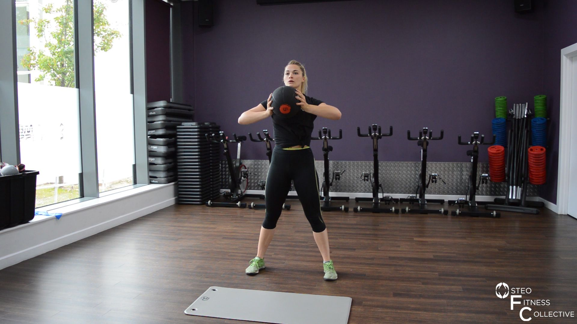 Medicine ball workout, chess press