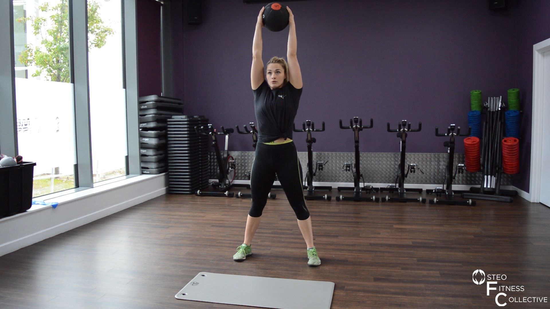 Medicine ball workout, squat and press